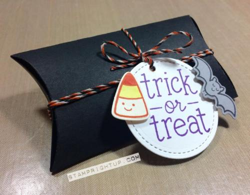 Lawn Fawn_Pillow Box Die_ Trick Or Treat_Halloween_Wendie Bee_Stamp Right Up